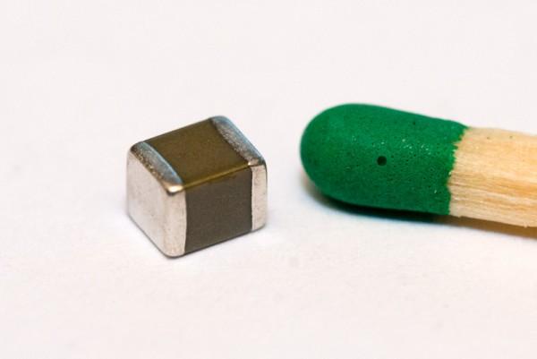 Keramikkondensator 100 µF / 16 V SMD (10er-Packung)